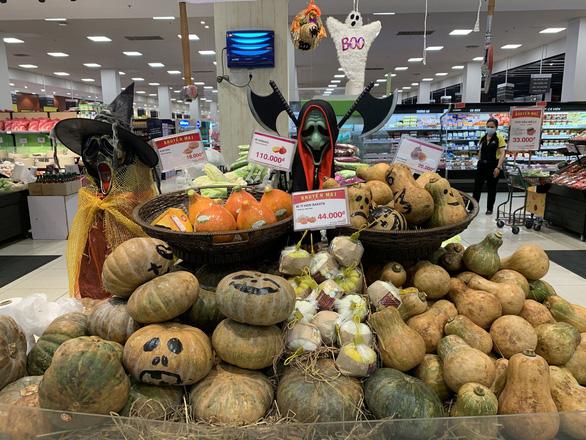 Halloween đã tăng độ nóng, hàng Trung Quốc vẫn áp đảo - Ảnh 7.