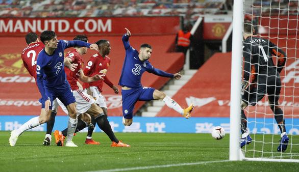 Man Utd và Chelsea bất phân thắng bại trong ngày Cavani ra mắt - Ảnh 2.