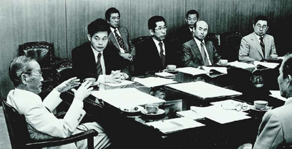 Chủ tịch Tập đoàn Samsung qua đời - Ảnh 2.