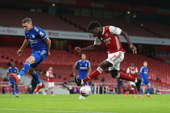 Dứt điểm kém, Arsenal trả giá vì bàn thắng muộn của Vardy - Ảnh 4.
