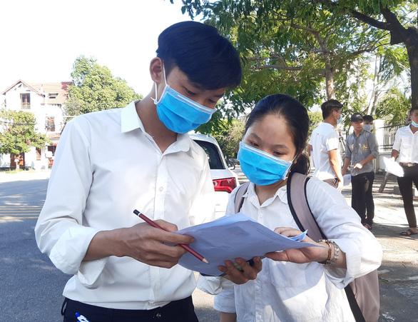 Học sinh, sinh viên Quảng Nam nghỉ học 2 ngày tránh bão số 9 - Ảnh 1.