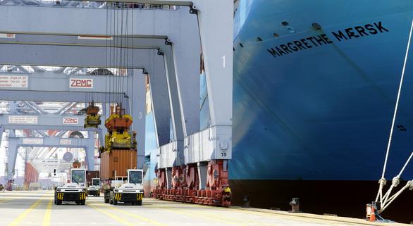 Siêu tàu container dài bằng 4 sân bóng đá cập Cái Mép - Thị Vải - Ảnh 3.