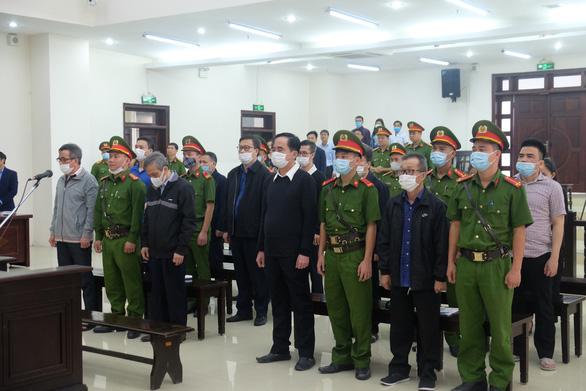 Cựu phó tổng giám đốc BIDV: Ông Trần Bắc Hà dọa không cho vay sẽ cách chức - Ảnh 1.