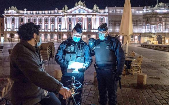 Dịch COVID-19 trỗi dậy ở châu Âu