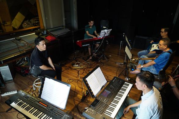 Nhạc sĩ Bảo Chấn lỡ hẹn cùng Lam Trường tại Phòng trà Online Vol.3 - Ảnh 4.