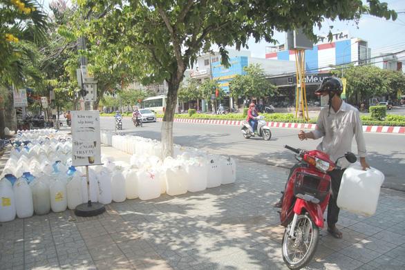 ĐBSCL làm nhà máy nước thô liên tỉnh chống nhiễm mặn - Ảnh 1.