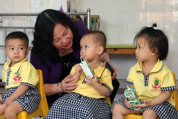 Khuyến khích doanh nghiệp Đồng Nai xây trường, lớp cho con em công nhân - Ảnh 1.