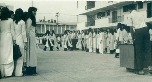 Sài Gòn nhớ nhớ thương thương - Kỳ 1: Nhớ lắm Trường Nguyễn Thượng Hiền - Ảnh 2.