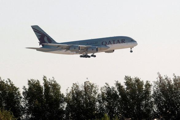 Úc lên tiếng vụ hành khách nữ bị Qatar Airways bắt lột đồ kiểm tra y tế - Ảnh 1.