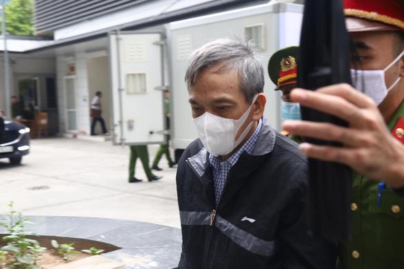 Cựu phó tổng giám đốc BIDV: Ông Trần Bắc Hà dọa không cho vay sẽ cách chức - Ảnh 2.