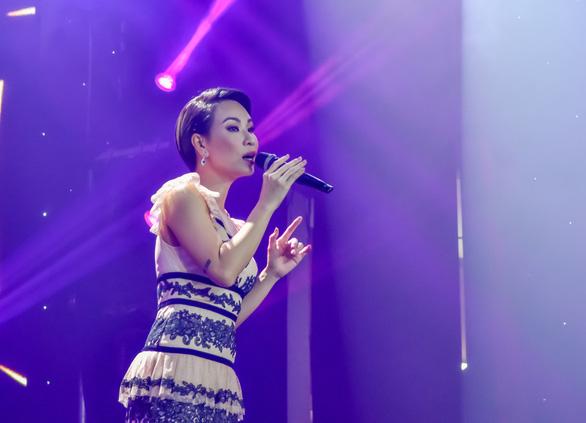 Đêm nhạc Việt Nam tử tế quyên 6 tỉ giúp người dân miền Trung lũ lụt - Ảnh 2.