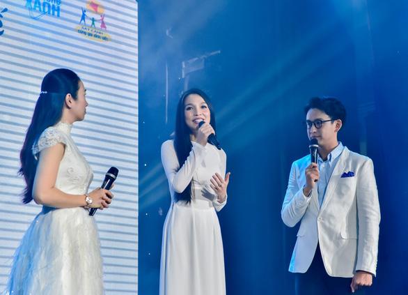 Đêm nhạc Việt Nam tử tế quyên 6 tỉ giúp người dân miền Trung lũ lụt - Ảnh 5.