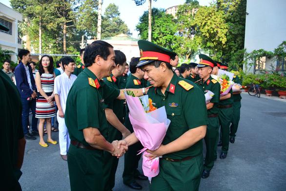 Bệnh viện Quân y 175 cử 6 y bác sĩ nhận nhiệm vụ tại huyện đảo Trường Sa - Ảnh 1.