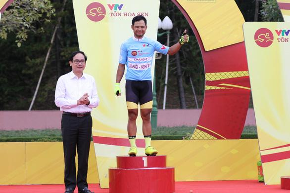 Tuấn Kiệt rút thắng Nguyệt Minh nửa bánh xe - Ảnh 3.