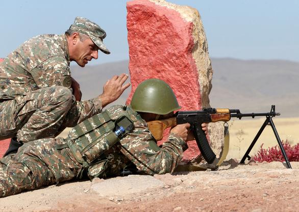 Armenia và Azerbaijan lại tố nhau vi phạm thỏa thuận ngừng bắn - Ảnh 1.