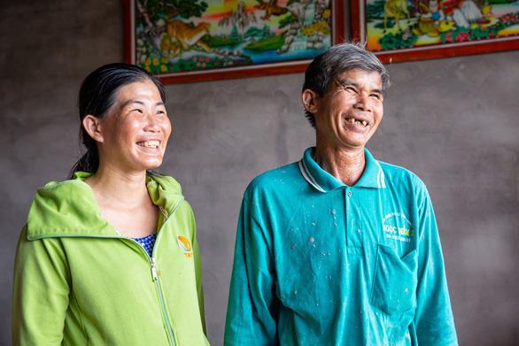 Ngôi làng bền vững kỳ 7: Ngôi nhà vững chãi mở ra hi vọng, vun đắp tương lai tươi sáng - Ảnh 2.