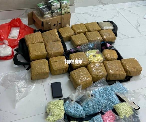 TP.HCM phá án ma túy lớn, bắt ít nhất 10 nghi phạm, thu hơn 100kg ma túy - Ảnh 1.