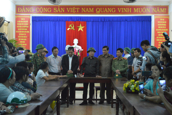Phó thủ tướng Trịnh Đình Dũng: Quân đội, công an sẵn sàng đợi lệnh - Ảnh 2.