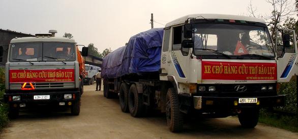 Xuất cấp thêm 6.500 tấn gạo để cứu đói cho đồng bào miền Trung bị mưa lũ - Ảnh 1.