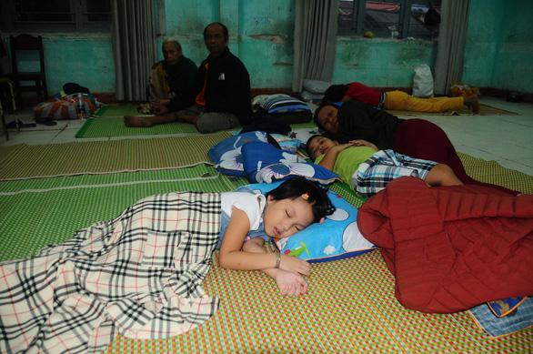 Dân Hội An vào trú bão trong… villa, resort: Cứ ở thoải mái, bão tan biển yên hẵng về - Ảnh 5.
