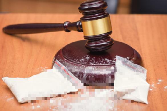 Shipper gọi điện nhờ cảnh sát tìm hộ đơn hàng cocaine 1 ti đồng bị mất - Ảnh 1.