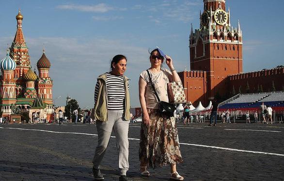 Nga bắt toàn dân đeo khẩu trang từ ngày 28-10 - Ảnh 1.