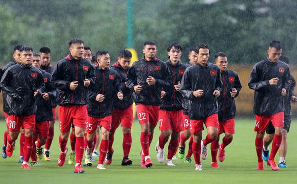 HLV Park Hang Seo tập trung đội tuyển U22 Việt Nam với 33 cầu thủ - Ảnh 1.