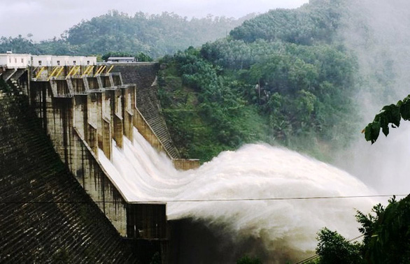Thủy điện Đăk Mi 4 dự kiến xả lũ 11.400m3/s, Quảng Nam, Đà Nẵng đối mặt ngập lụt - Ảnh 1.