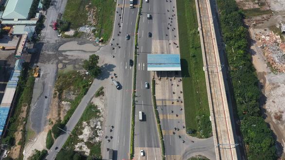 Dự án mở rộng xa lộ Hà Nội dời thu phí, dự kiến đến 1-12 - Ảnh 2.