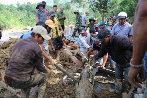 Bão số 9, sạt lở đất làm 70 người chết và mất tích - Ảnh 1.