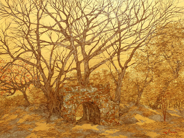 Nguyễn Quốc Huy mất hơn 10 năm mang mây mù, hơi ẩm vào tranh sơn mài - Ảnh 10.