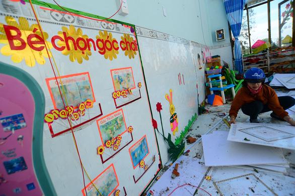 Tan hoang những ngôi trường ở tâm bão Quảng Ngãi - Ảnh 5.