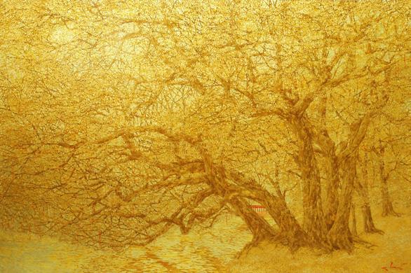 Nguyễn Quốc Huy mất hơn 10 năm mang mây mù, hơi ẩm vào tranh sơn mài - Ảnh 4.