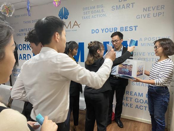 Hơn 1.000 nhân viên Công ty Vịnh Thiên Đường sẻ chia cùng miền Trung - Ảnh 1.