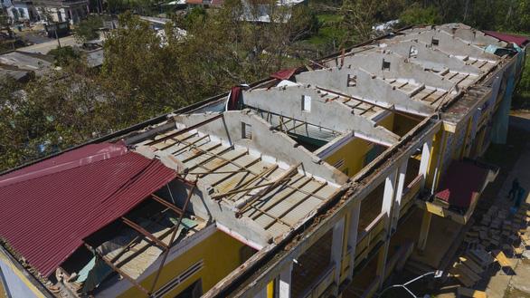 Tan hoang những ngôi trường ở tâm bão Quảng Ngãi - Ảnh 12.