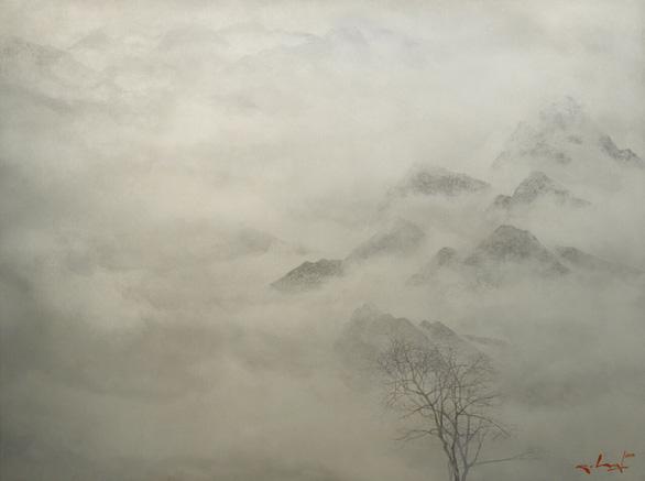 Nguyễn Quốc Huy mất hơn 10 năm mang mây mù, hơi ẩm vào tranh sơn mài - Ảnh 6.