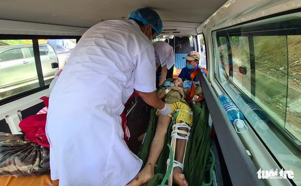 NÓNG: Những hình ảnh đầu tiên của nạn nhân vụ sạt lở ở Trà Leng - Ảnh 4.