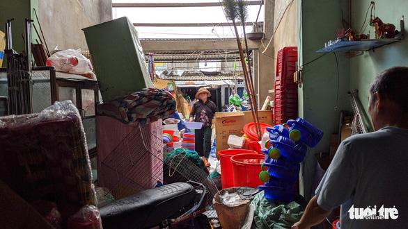 Quảng Ngãi tan hoang, xóm làng xơ xác sau bão số 9 - Ảnh 3.