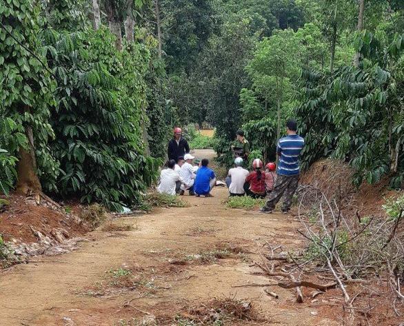 Đắk Nông: 3 cha con chết thảm trong chòi rẫy cách nhà 5km - Ảnh 1.
