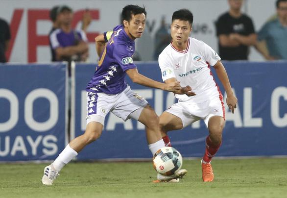 Tranh chấp ngôi vô địch V-League 2020: Cuộc đua tứ mã - Ảnh 1.