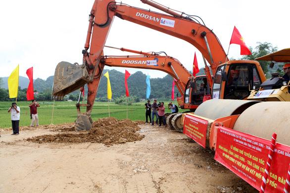 Khởi công đường kết nối, khởi động dự án đường cao tốc Đồng Đăng - Trà Lĩnh - Ảnh 1.
