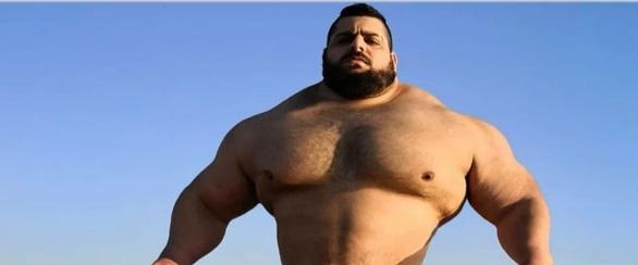Người khổng lồ xanh của Iran: Họ thách thức nhưng không dám đánh với tôi - Ảnh 1.