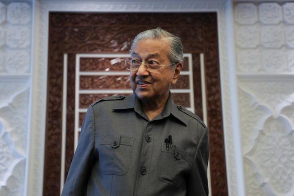 Nói người Hồi giáo có quyền giết người Pháp để trả thù, ông Mahathir bị chỉ trích dữ dội - Ảnh 1.