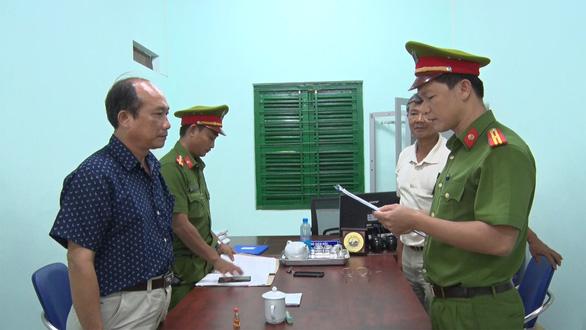 Nguyên phó chủ tịch huyện Đông Hòa tiếp tục bị khởi tố - Ảnh 1.