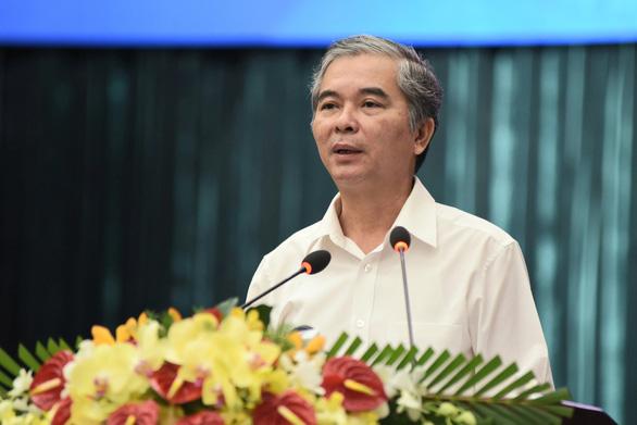 Bổ sung nhiệm vụ cho 2 phó chủ tịch UBND TP.HCM - Ảnh 2.