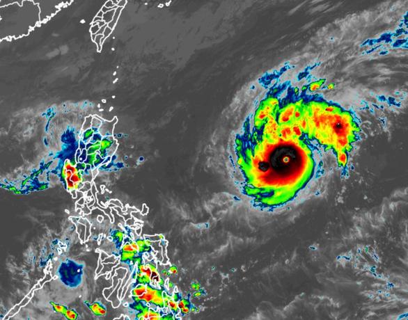 Siêu bão hủy diệt trên đường đổ bộ vào Philippines - Ảnh 1.