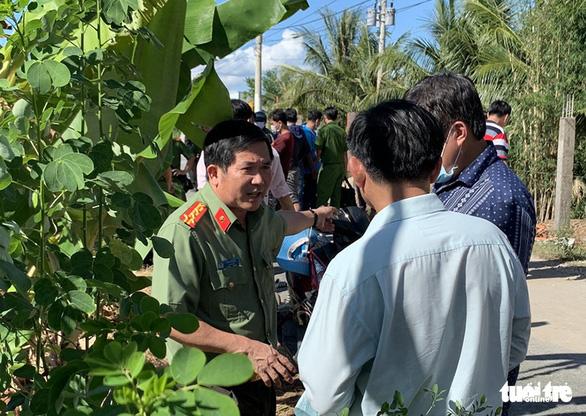 Phá vụ vận chuyển 51kg nghi vàng lậu chuyển từ Campuchia sang - Ảnh 1.
