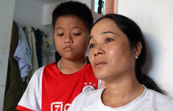 Vụ 26 ngư dân Bình Định chìm tàu: Ứa nước mắt khi cháu gọi điện kêu cứu - Ảnh 1.