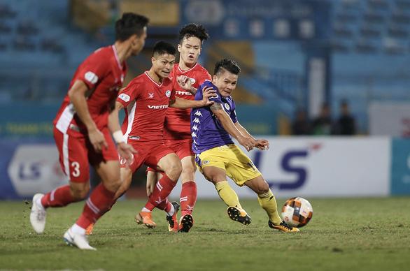Đấu sớm vòng 5 giai đoạn 2 V-League 2020: Căng nhưng không hay - Ảnh 1.
