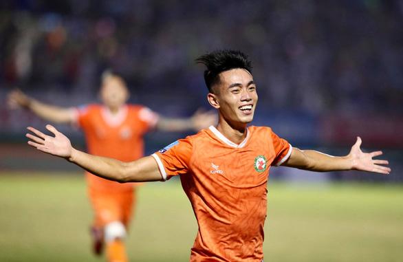 Bình Định đoạt vé thăng hạng V-League - Ảnh 2.